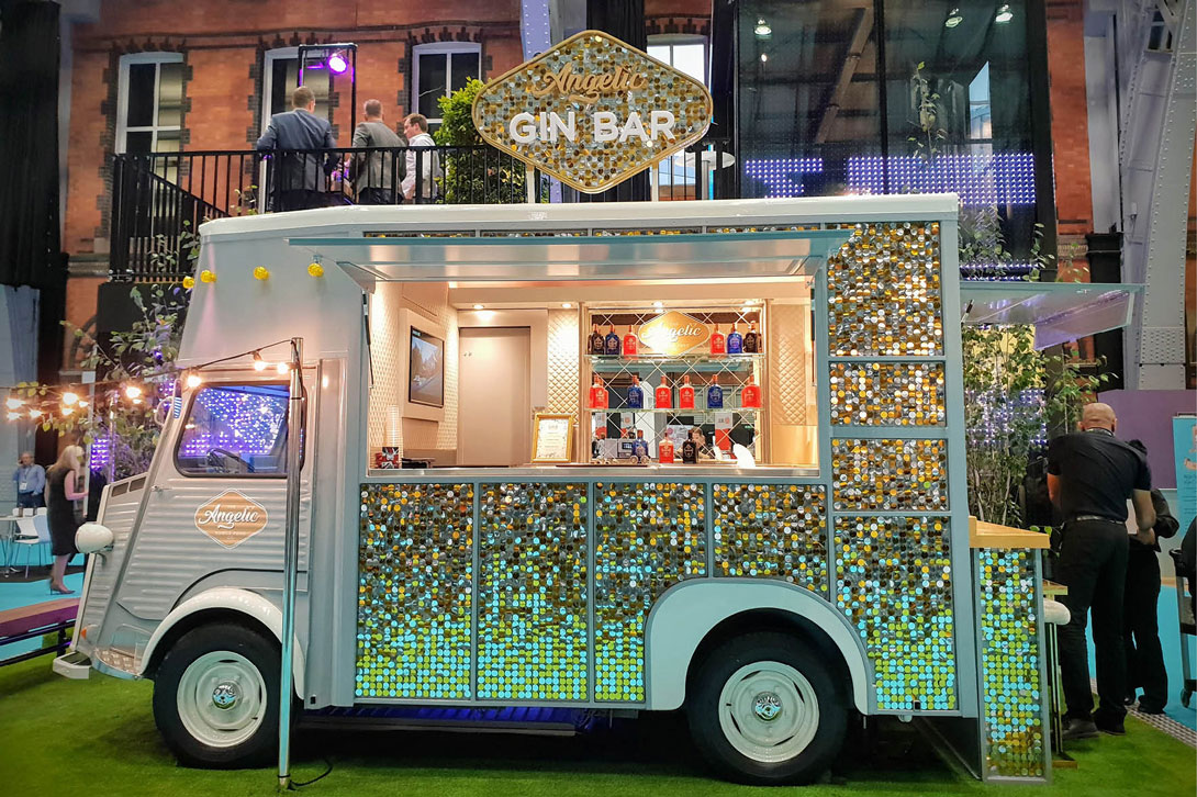 Buss Angelic bar Mobile food-bus decor ideas