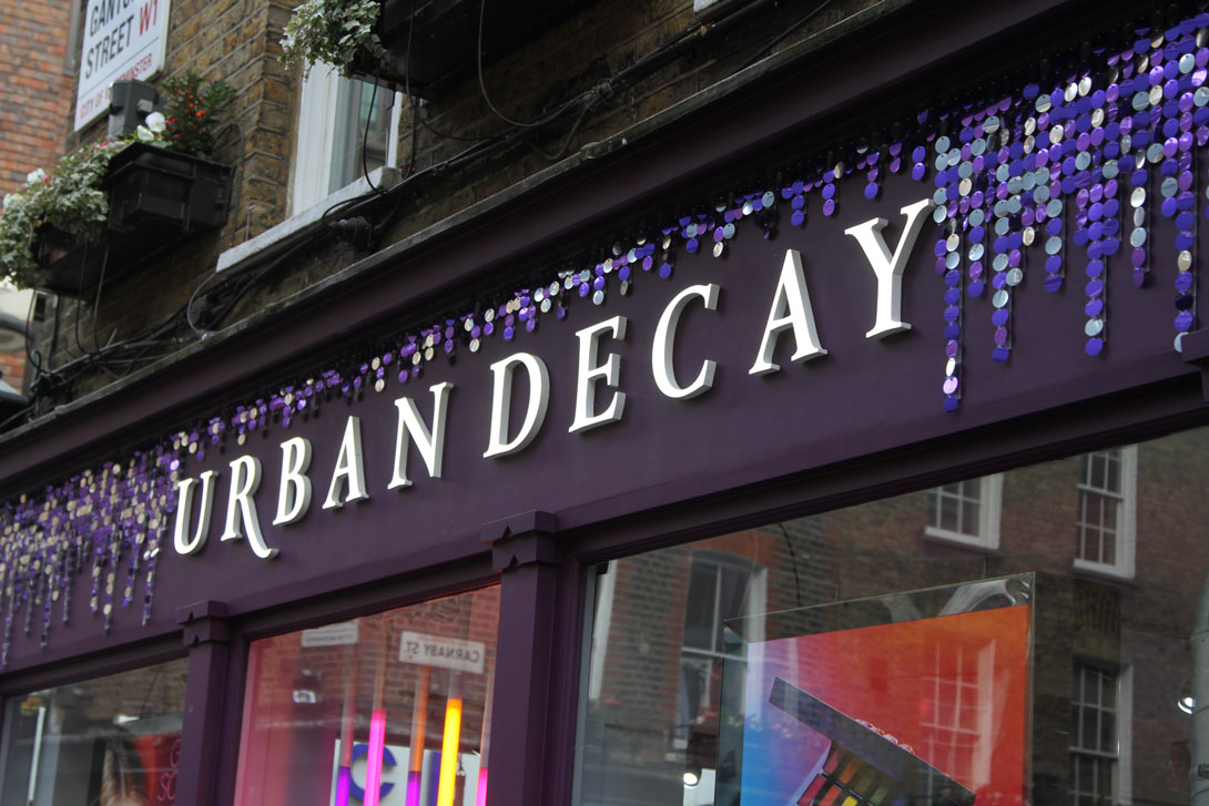 Great sequin decoration for Christmas Visual Merchandising and store signage